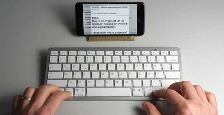 iPhone mit Bluetooth-Tastatur